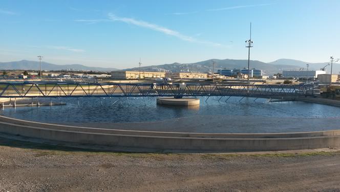 Çiğli (İZMİR) Atıksu Arıtma Tesisi Savak ve Çamur Sıyırıcı Yapımı Toplam 12 çöktürme havuzu